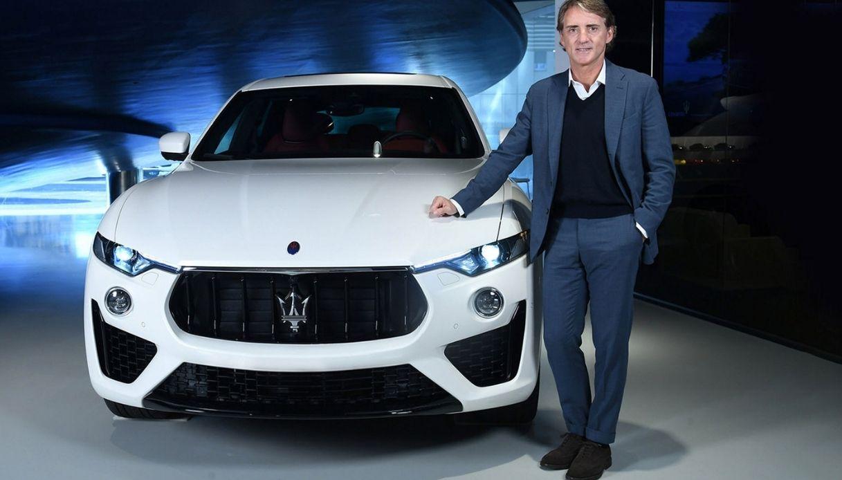 Roberto Mancini e la sua Maserati Levante
