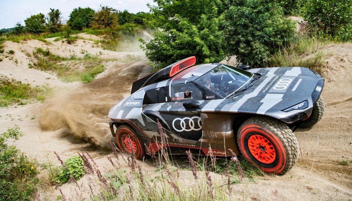Audi, pronta la sfida Dakar