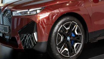 Anteprima, le immagini del nuovo crossover elettrico BMW