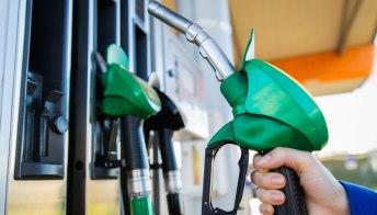 Auto diesel e benzina: l'Europa conferma lo stop