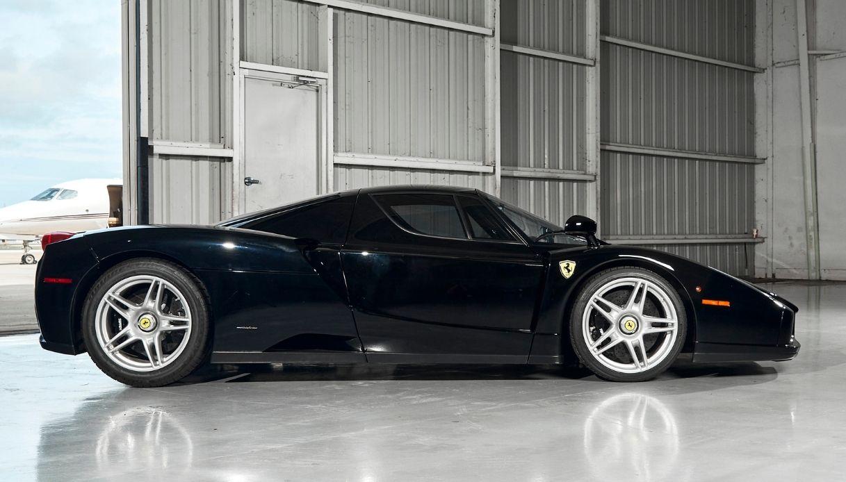 Ferrari Enzo, raro esemplare del 2003 all'asta
