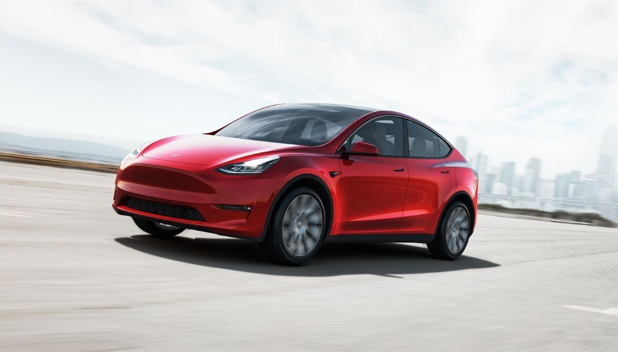 Tesla Model Y arriva in Italia