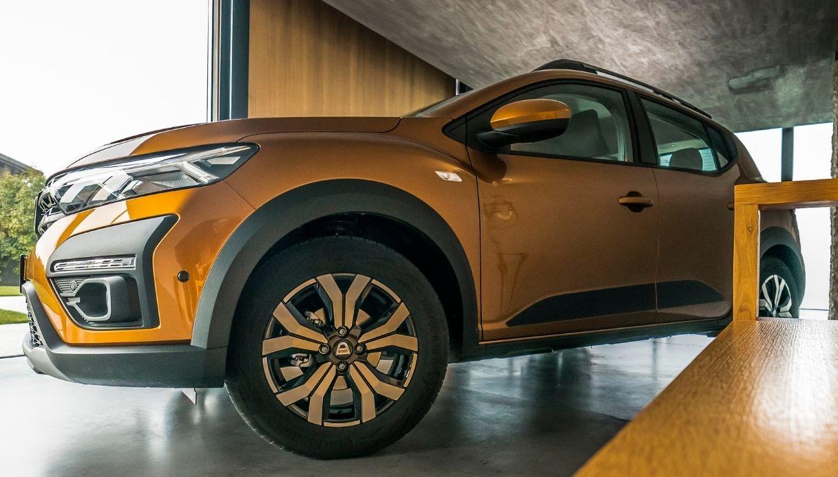 Dacia Sandero è l'auto più venduta