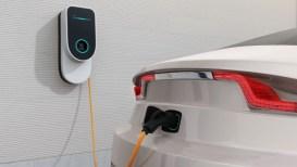 Costi dell'energia in salita: frena la svolta green dell'auto