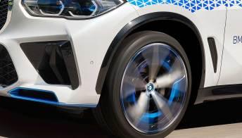 Il primo SUV a idrogeno di BMW