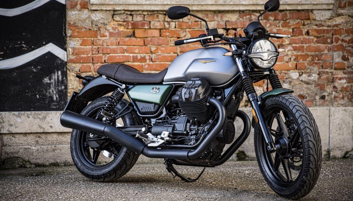 Moto Guzzi V7, la over 700 cc più venduta
