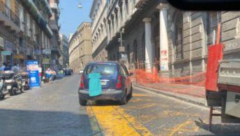 Napoli, lo stratagemma per nascondere la targa e non pagare le multe
