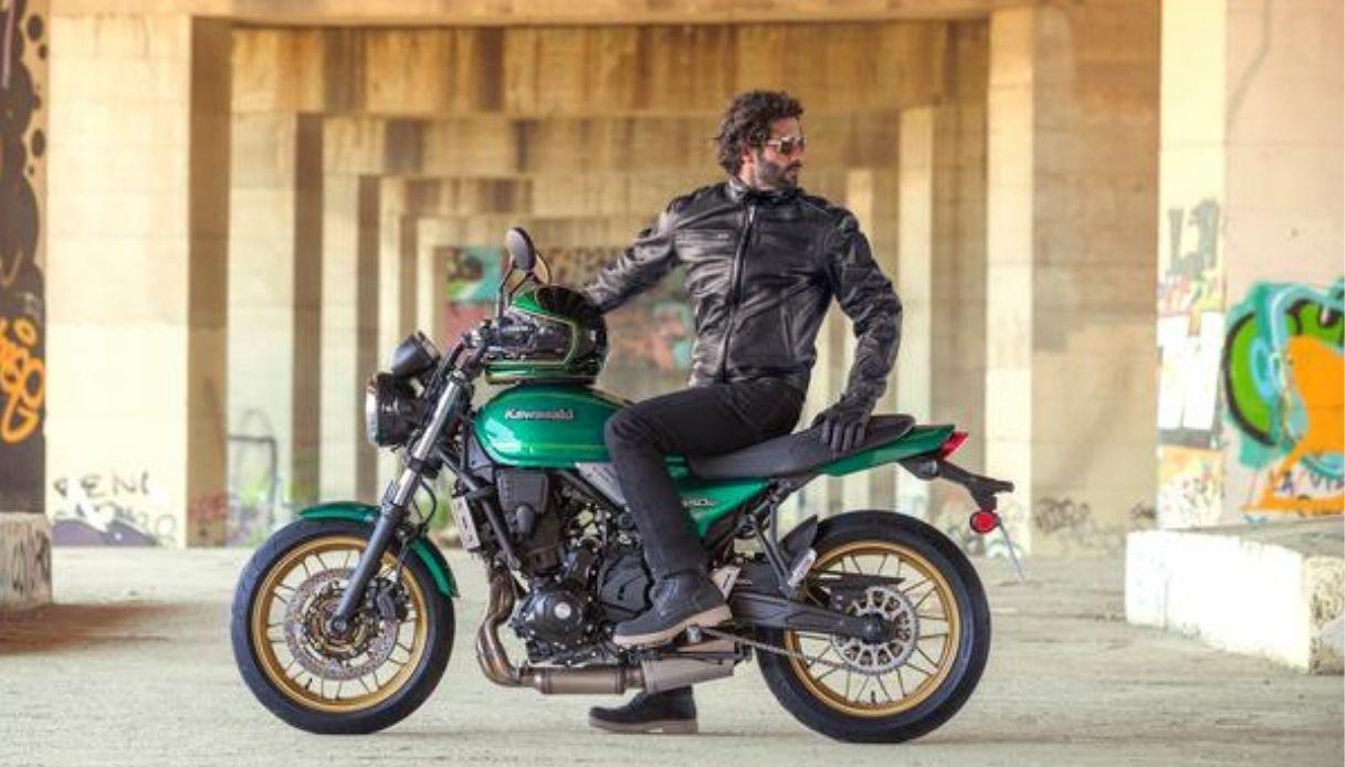 Kawasaki presenta la nuova Z650RS, la moto retrò-moderna