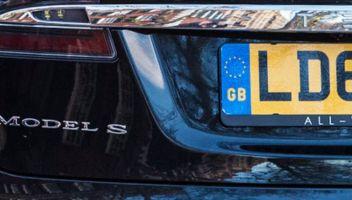 Gran Bretagna, addio alla bandiera europea sulle auto