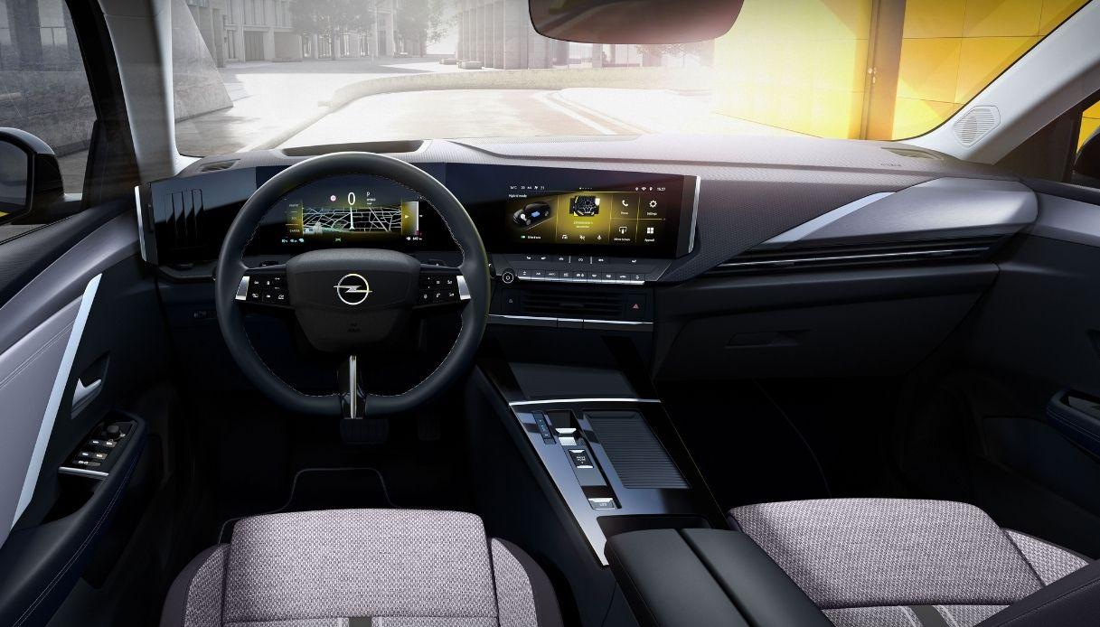 Gli interni della nuova Opel Astra