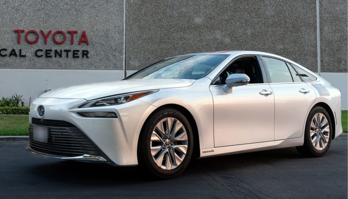 Nuovo record di percorrenza per Toyota Mirai