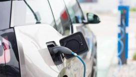 Boom di auto elettriche in Italia