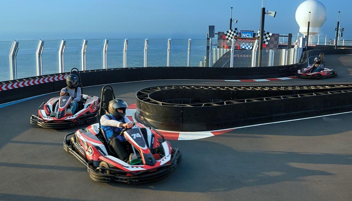 La pista di go-kart più lunga al mondo su una nave da crociera